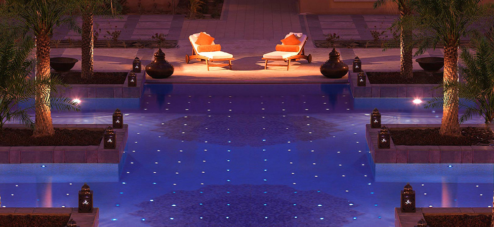 luxushuetten-mittlerer-osten-sharq-hotel-pool-LXH0111